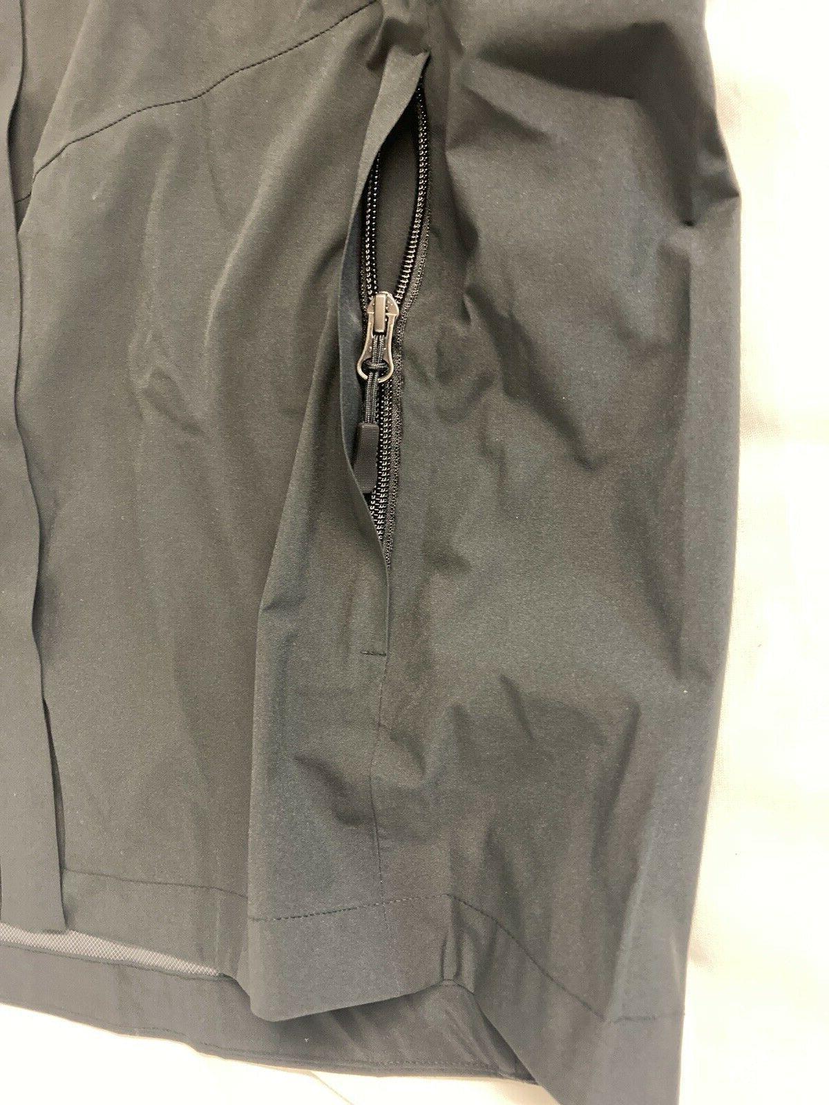 NWT 32 Men's Performance Jacket Black Medium NEW