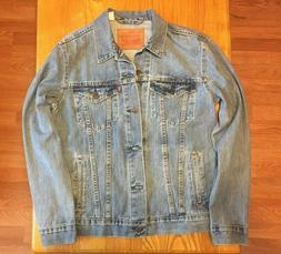 NWOT Mens Levis ICY Denim Trucker Jacket Lightwash Blue Size